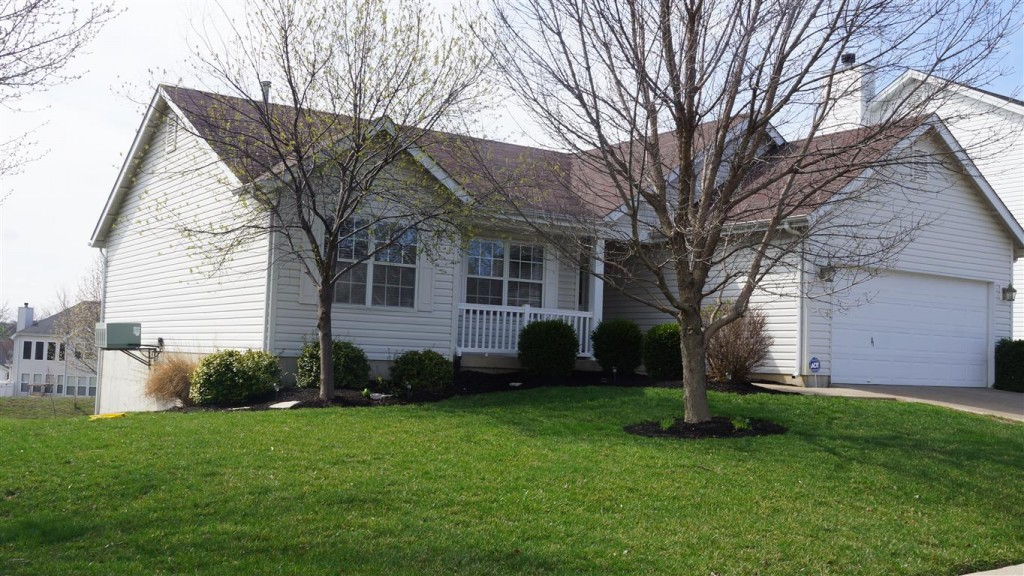 Front of Home - 352 Brookhaven